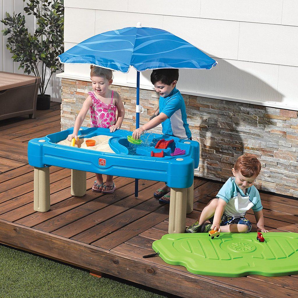 Outdoor activities for kids - water play